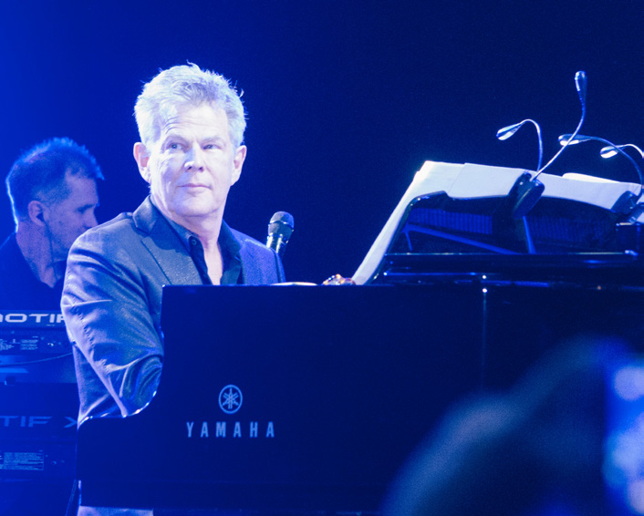 HITMAN DAVID FOSTER AND FRIENDS LIVE IN CONCERT